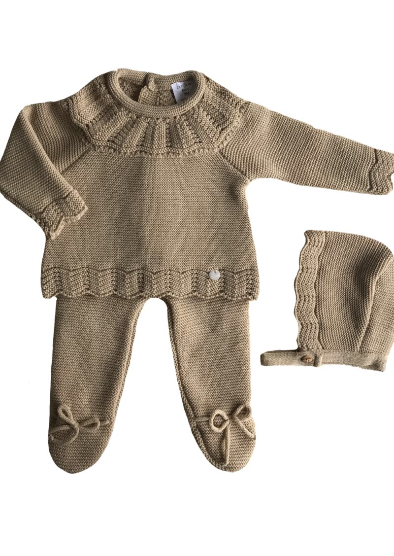 """""""conjuntos de punto de tricot originales cotton bebé"""". """"Ropa bonita de primera puesta"""". """"Ropita para los primeros meses"""". """"Ropa bebe"""". """"Cotton-bebe"""". """"ropa de punto"""". """"De venta en la tienda online cotton-bebe"""". """"Body de punto para bebé"""". """"chaqueta de bebé"""". """"Complementos de moda"""". """"Bebé molón"""". """"color beige para bebé"""". """"conjunto de polaina"""". """"conjunto beige de punto"""". """"Ropa de punto"""". """"Cotton Bebe"""". """"Tricot"""". """"Polaina de bebé """". """"Polainas """". """"Ropa hipoalergenica"""". """"Tacto algodón"""". """"Cotton baby""""."""