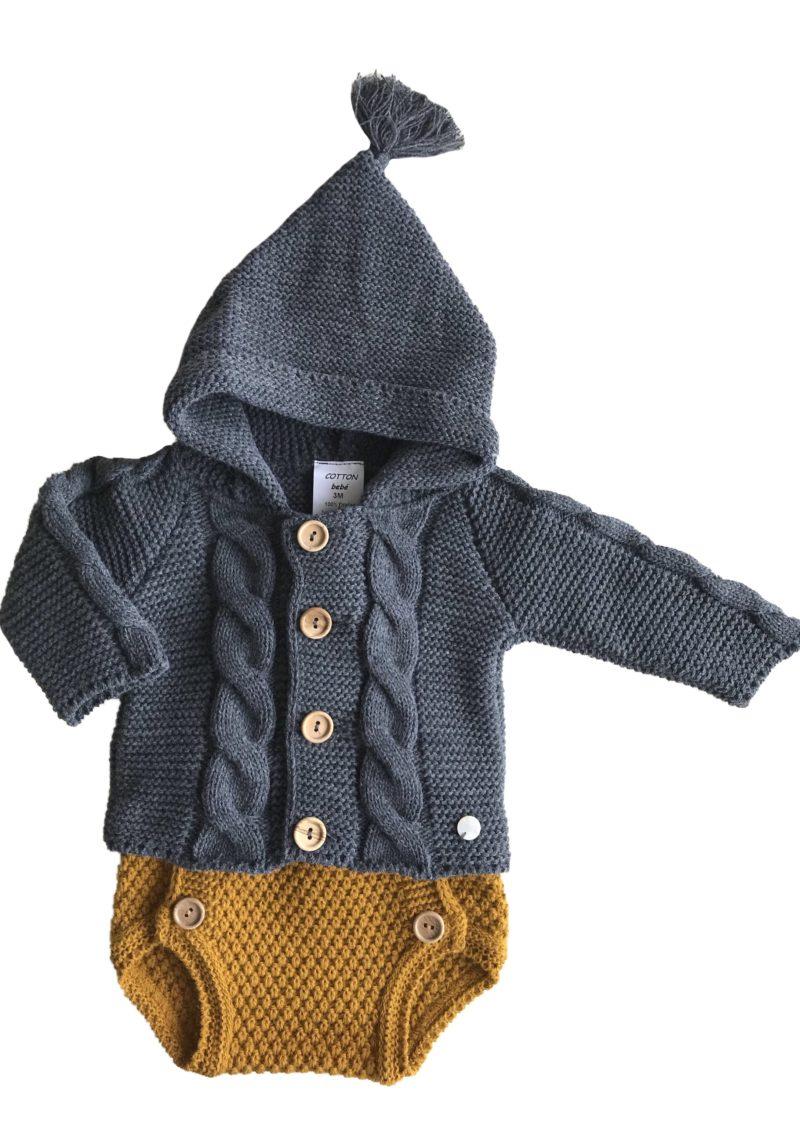 """""""conjuntos de punto de tricot originales cotton bebé"""". """"Ropa bonita de primera puesta"""". """"Ropita para los primeros meses"""". """"Ropa bebe"""". """"Cotton-bebe"""". """"ropa de punto"""". """"De venta en la tienda online cotton-bebe"""". """"Body de punto para bebé"""". """"Complementos de moda"""". """"Bebé molón"""". """"color azul para bebé"""". """"conjunto de ranita"""". """"conjunto mostaza de punto"""". """"Ranita gris de bebé """". """"Jersey de volantes para bebé """". """"Colores de moda"""". """"Body gris"""". """"Chaqueta gris"""". """"Coletas bebé """". """"Rosa bebé """". """"Chaqueta de rayas"""". """"Pelele gris"""". Body gris bebé """". """"San Francisco bebé """""""