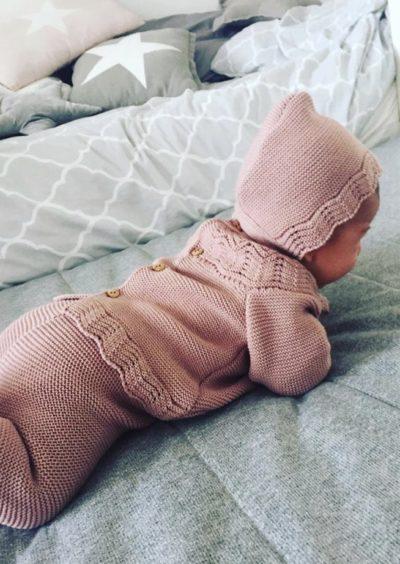 """""""conjuntos de punto de tricot originales cotton bebé"""". """"Ropa bonita de primera puesta"""". """"Ropita para los primeros meses"""". """"Ropa bebe"""". """"Cotton-bebe"""". """"ropa de punto"""". """"De venta en la tienda online cotton-bebe"""". """"Body de punto para bebé"""". """"Jersey de bebé"""". """"Complementos de moda"""". """"Bebé molón"""". """"color beige para bebé"""". """"conjunto de polaina"""". """"conjunto rosa de punto"""". """"Ropa de punto"""". """"Cotton Bebe"""". """"Tricot"""". """"Polaina de bebé """". """"Polainas """". """"Ropa hipoalergenica"""". """"Tacto algodón"""". """"Cotton baby"""". """"Rosa bebé""""."""